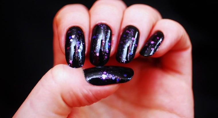 What Are the Different Types of Fake Nails?