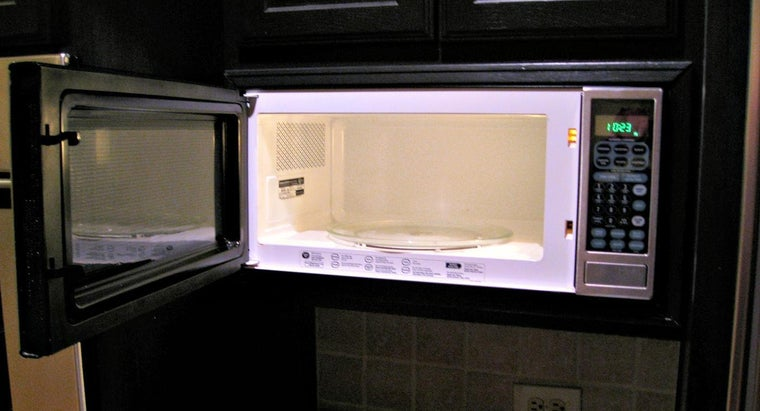 What Are the Dimensions of a GE Spacemaker Microwave?