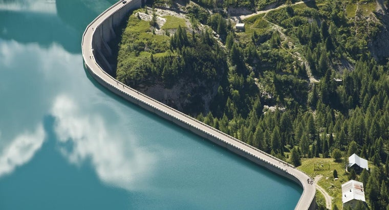 What Are Disadvantages of Dams?