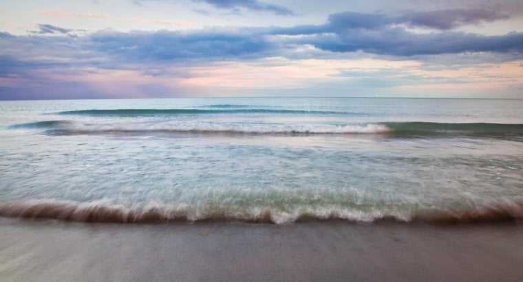 What Is the Distance From the Shore to International Waters?