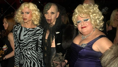 What Are Some Drag Queen Makeup Tips?
