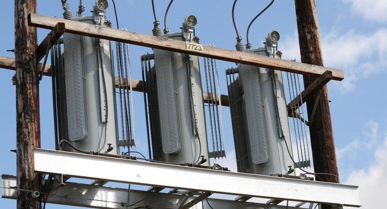How Does an Electrical Transformer Work?