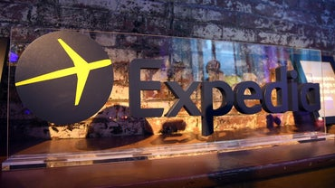 How Does Expedia Make Money?