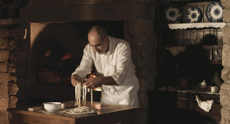 Who Are Famous Italian Chefs?