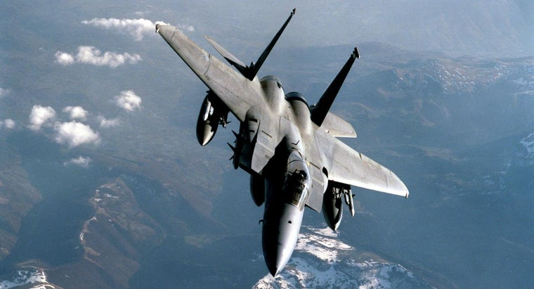 How Fast Does a Fighter Jet Go?