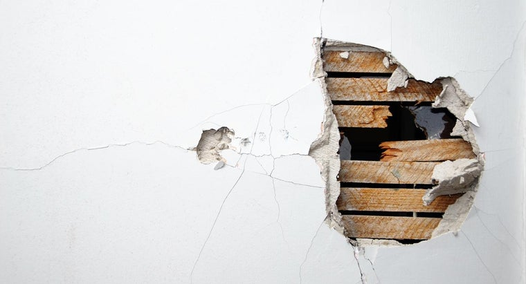 How Do You Fix Cracks in Drywall?
