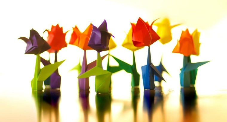 How Do You Fold a Simple Origami Flower?