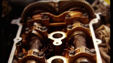 What Is the Function of a Camshaft?
