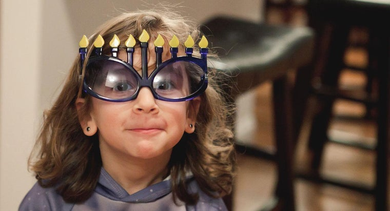 What Are Some Common Hanukkah Greetings?
