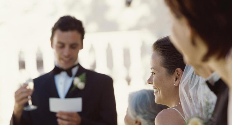 How Do You Give an Engagement Party Speech?