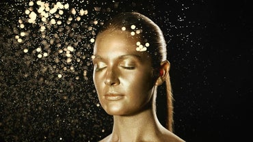 What Is a Gold Facial Mask?