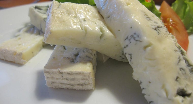What Is a Good Substitute for Gorgonzola Cheese?