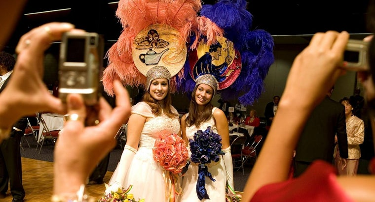 What Happens at a Traditional Mardi Gras Ball?