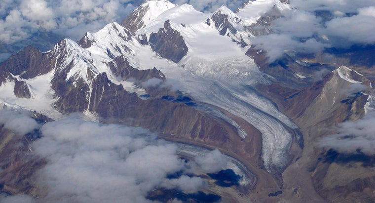 What Are Some Facts About the Himalayas?