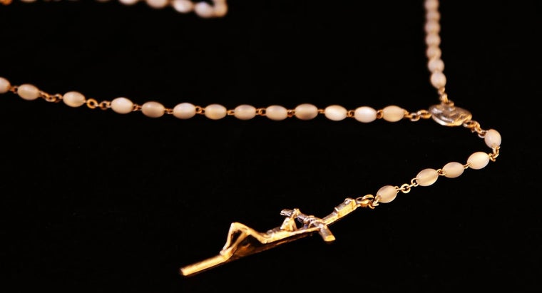 Is the Holy Rosary Available Online?