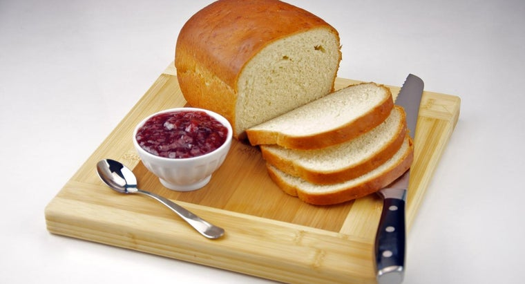 How Many Calories Are in a Slice of White Bread?