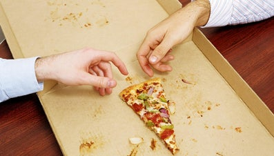 How Many Slices of Pizza Are in a 14-Inch Pizza?