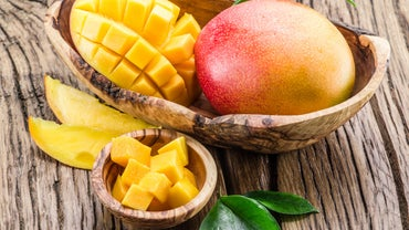 What Is the Proper Way to Eat a Mango?