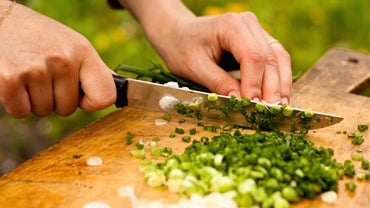 How Are Spring Onions Prepared?