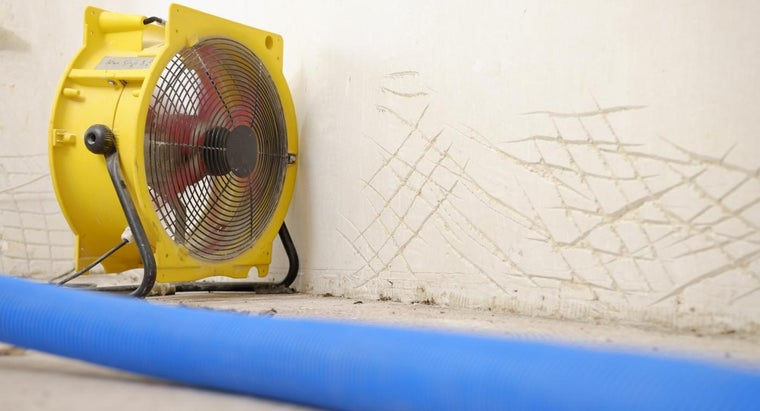 At What Humidity Level Should One Set a Dehumidifier?