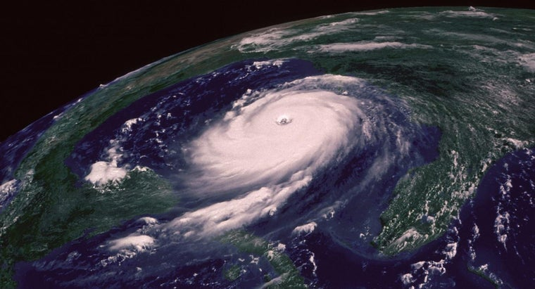 How Are Hurricane Paths Projected?