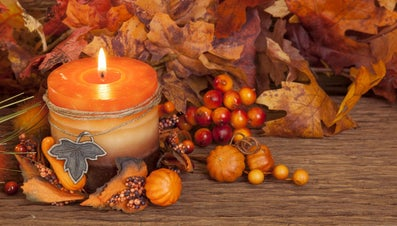 What Are Some Ideas for Thanksgiving Decorations?