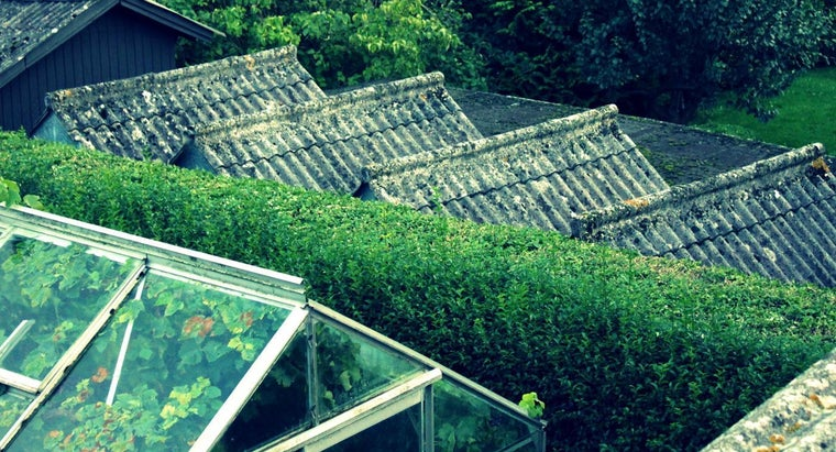 How Do You Install Greenhouse Roof Panels?