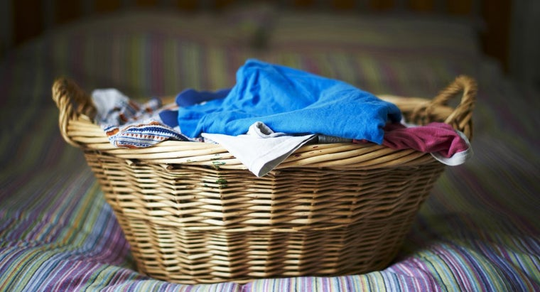 What Are the Benefits of Large Wicker Laundry Baskets?
