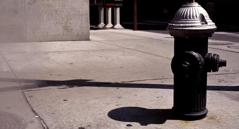 What Is the Legal Parking Distance From a Fire Hydrant in New York City?