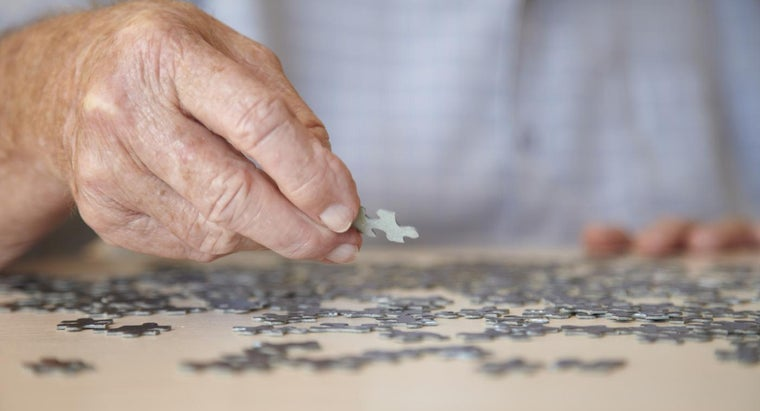 What Are Some Lewy Body Dementia Symptoms?