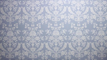 How Long Should You Wait Before Wallpapering Over Fresh Paint?