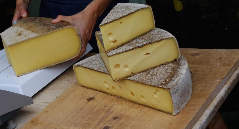 How Long Does It Take for Swiss Cheese to Mold?