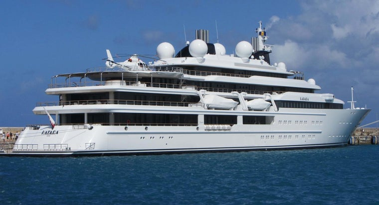 How Long Is a Yacht?
