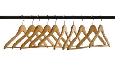 How Do You Make a Clothing Rack?