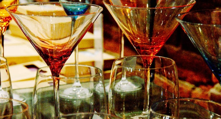 How Do You Make Decorated Martini Glasses?