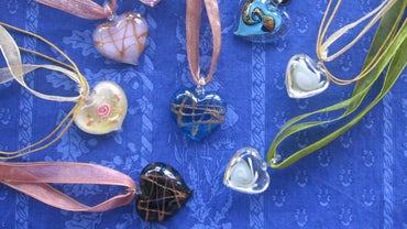 How Do You Make Fused Glass Pendants?