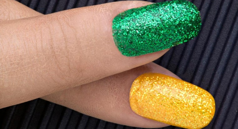 How Do You Make Glitter Nail Polish?