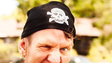 How Do You Make a Pirate Bandana?