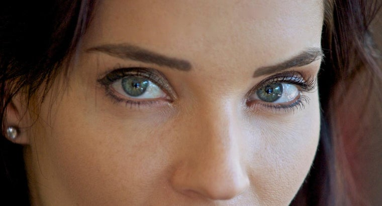 What Makeup Should You Wear for Green Eyes?