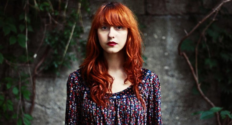 What Are Some Makeup Tips for Redheads?