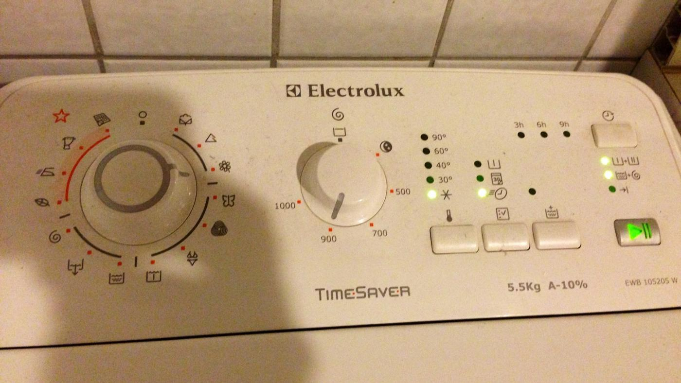 how do you manually get the door open on your electrolux ewf1090 rh reference com
