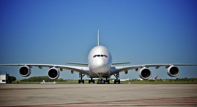 How Many Cabin Crew Members Are on a A380?