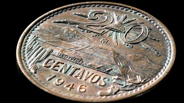 How Many Centavos Are in a Dollar?
