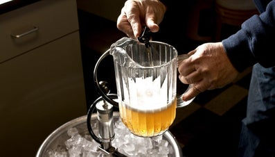 How Many Glasses Are in a Pitcher of Beer?