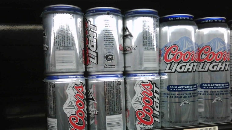 How Many Grams Of Sugar Are In A Can Of Coors Light