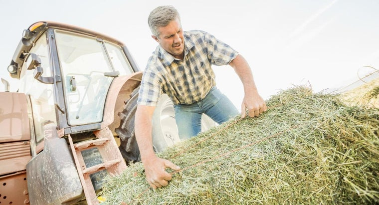 How Many Square Bales Are in an Acre?