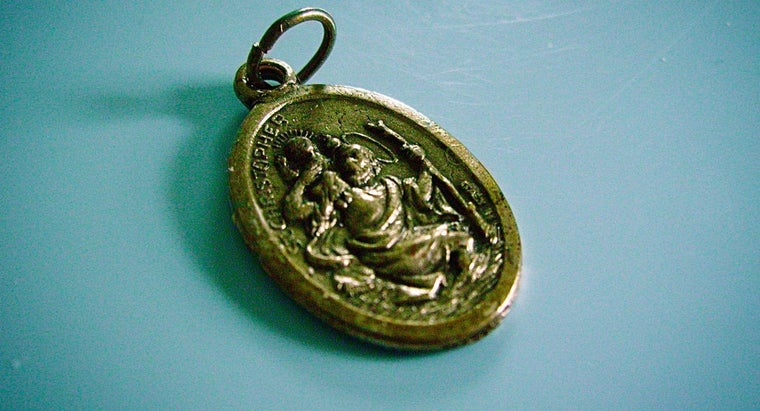 What Is the Meaning of the Saint Christopher Medal?