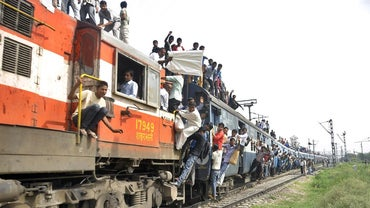 "What Is Meant by ""second Sitting"" on Indian Railways?"