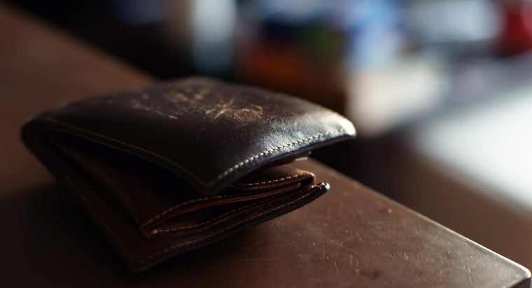 What Are the Measurements of a Wallet-Sized Photo?