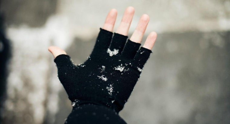 What Is a Method for Knitting Fingerless Gloves?
